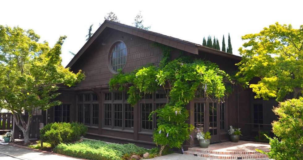 Saratoga Foothill Club Clubhouse